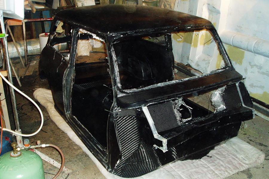 Réalisation coque carbone AUSTIN mini