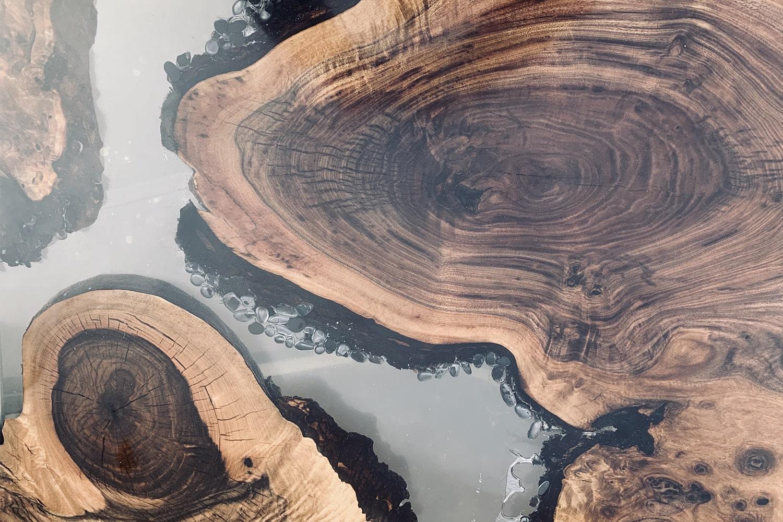 Résine époxy bois : les finitions à apporter