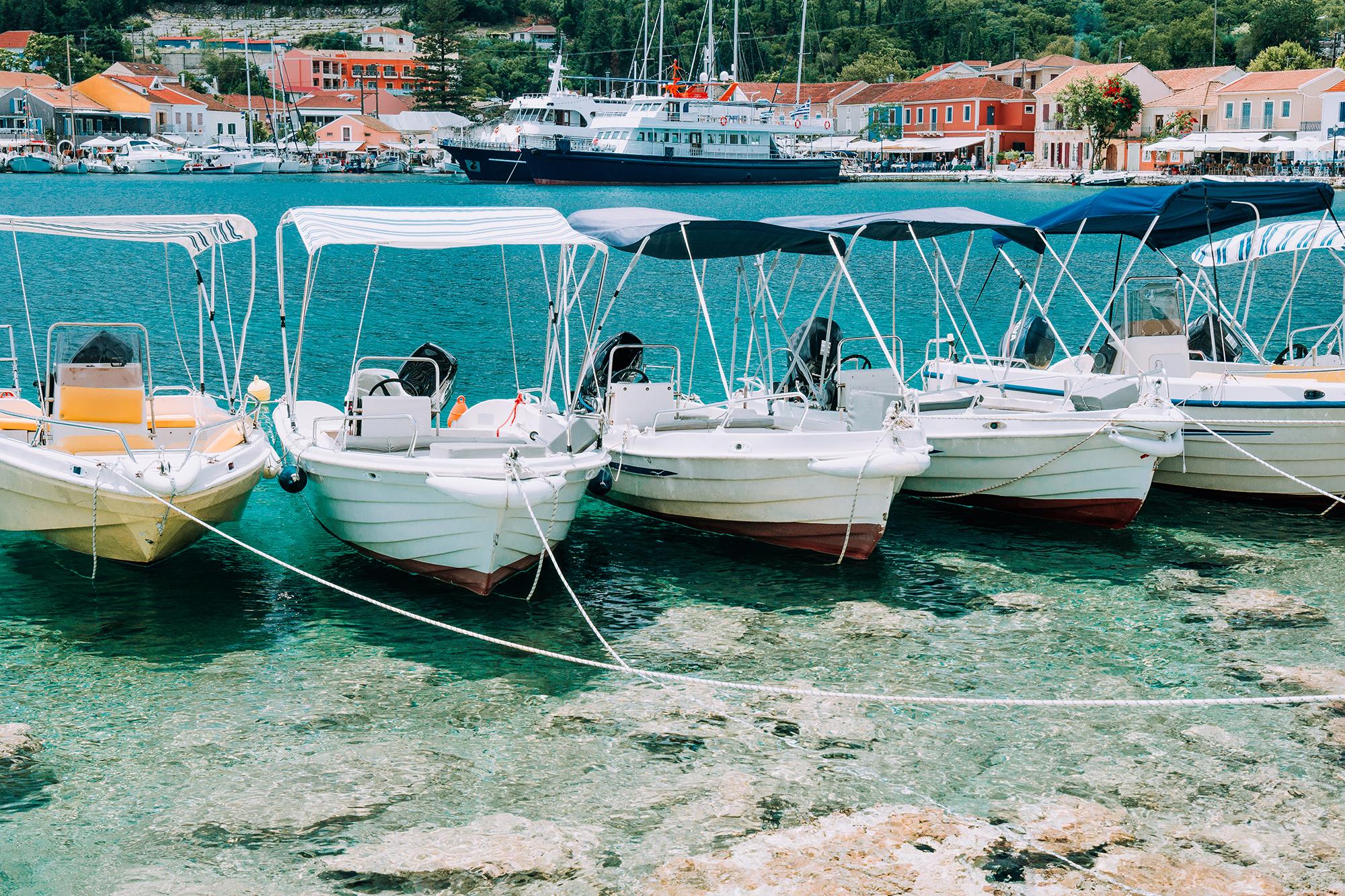Coque bateau : comment réparer la fibre de verre ?